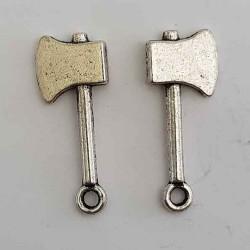 Breloque Outil Hache en métal argenté